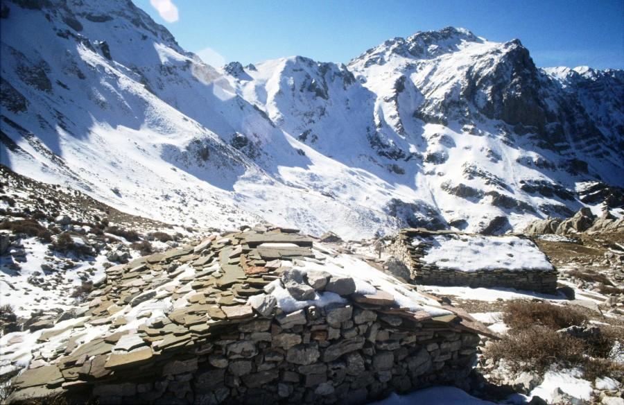 Απ'  το χωριό Αλποχώρι, για τις ψηλές κορφές τουΕρύμανθου