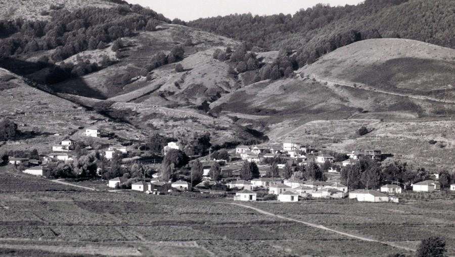 Πάϊκο, ύψ. 1.650 μ. ανάμεσα στους νομούς Πέλλας καιΚιλκίς