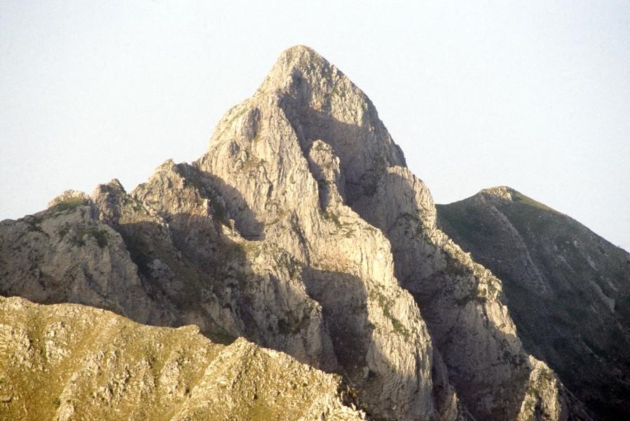 Πέντε Πύργοι, ύψ. 2004 μ. στα ΑνατολικάΆγραφα