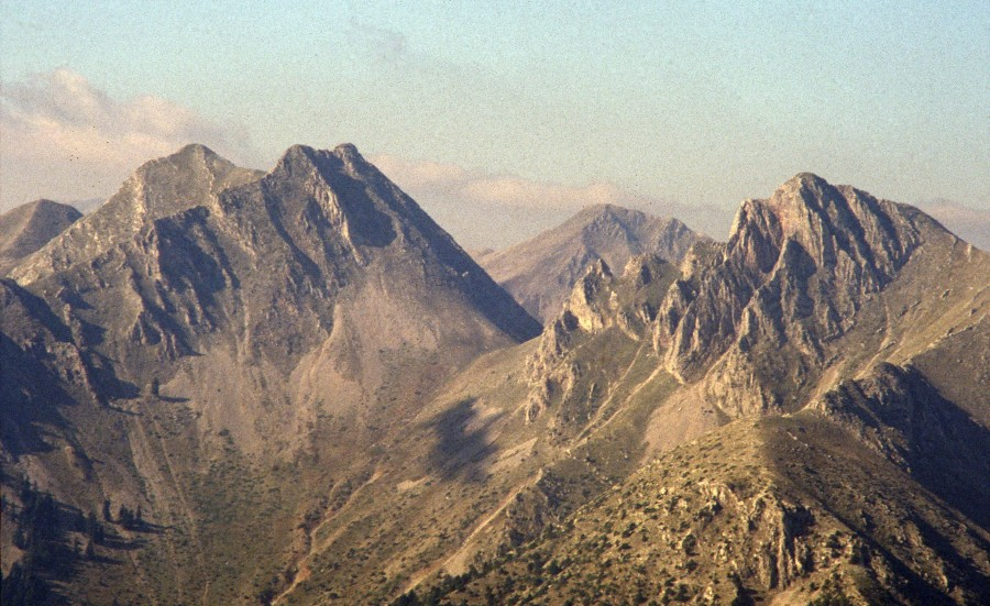 Πουλί, 1.846 μ., Παπαδημήτρη, 1.930 μ. στα ΑνατολικάΆγραφα